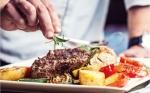 Opinión: Las dietas más saludables incluyen carne y productos lácteos, dicen los profesionales de la salud