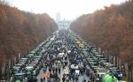10.000 agricultores descienden sobre Berlín en sus tractores para protestar contra las nuevas restricciones del país sobre fertilizantes y pesticidas
